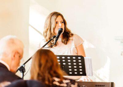 Zangeres huwelijksceremonie live muziek akoestisch duo